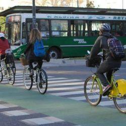 La bicicleta no genera ningún tipo de emisión y te ayuda ejercitar el metabolismo.