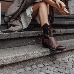 El lejano oeste volvió al presente de la mano del calzado cowboy