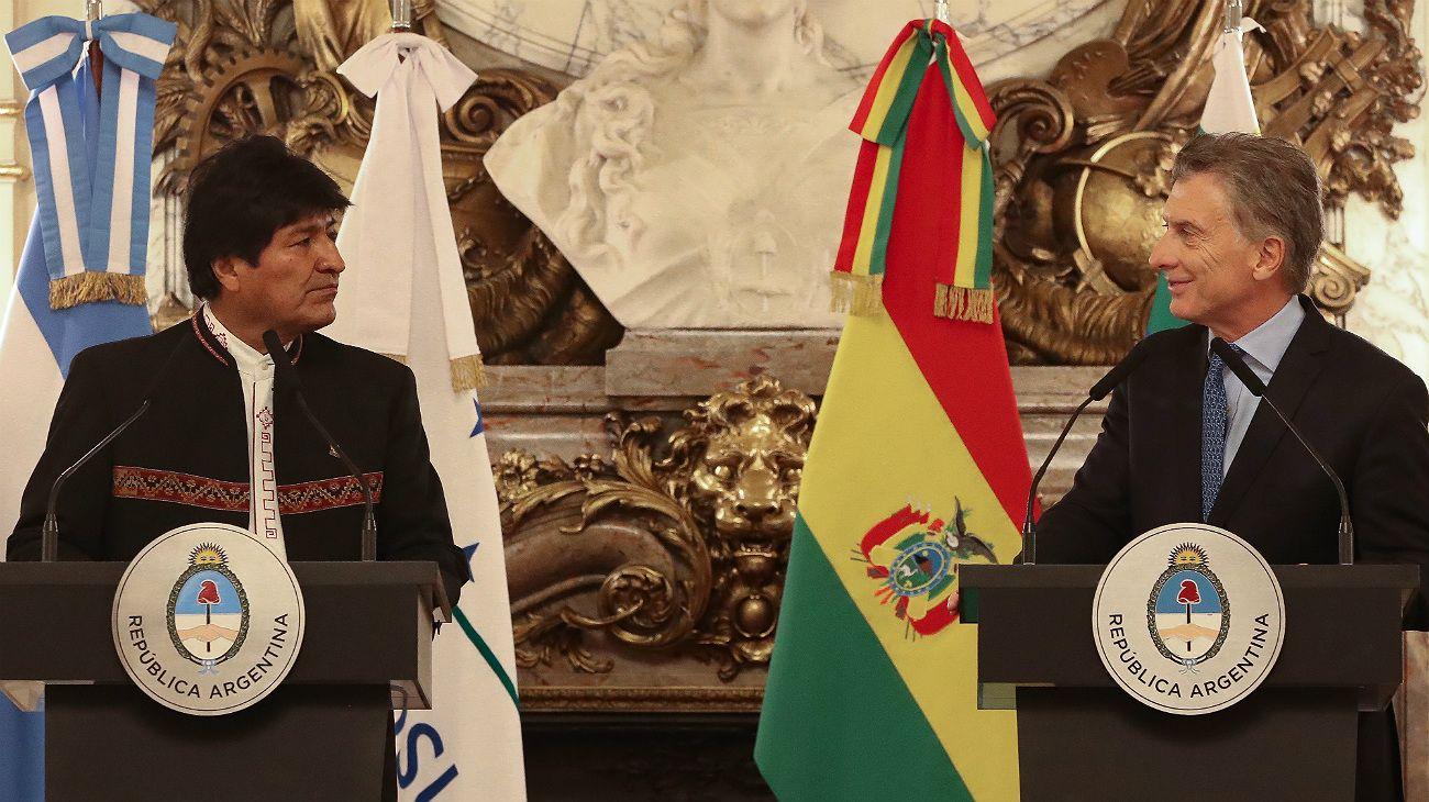 Evo Morales firmó acuerdos y anunció que comprará tecnología argentina