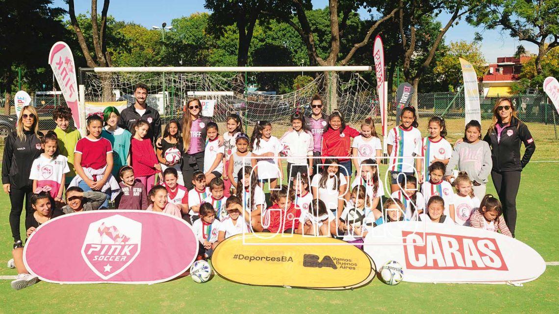 caras y pink soccer:  futbol inclusivo