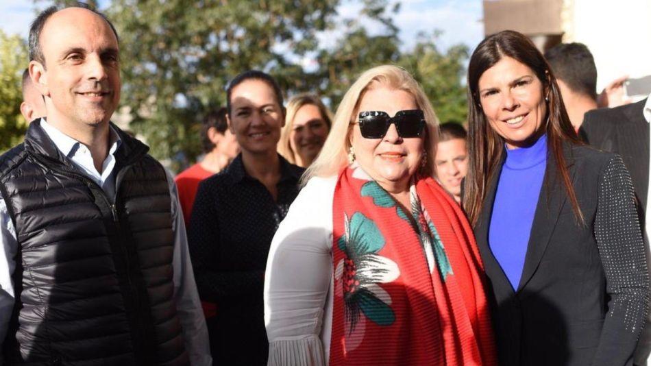 Lilita Carrió en Rosario junto a José Corral y la presidenta del Centro Comercial Industrial y Rural de Armstrong.