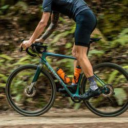 Las bicicletas de gravel están diseñadas para moverse por terrenos no asfaltados.