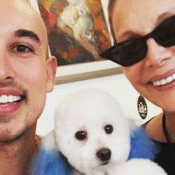 Carmen Barbieri y su perro Rey.