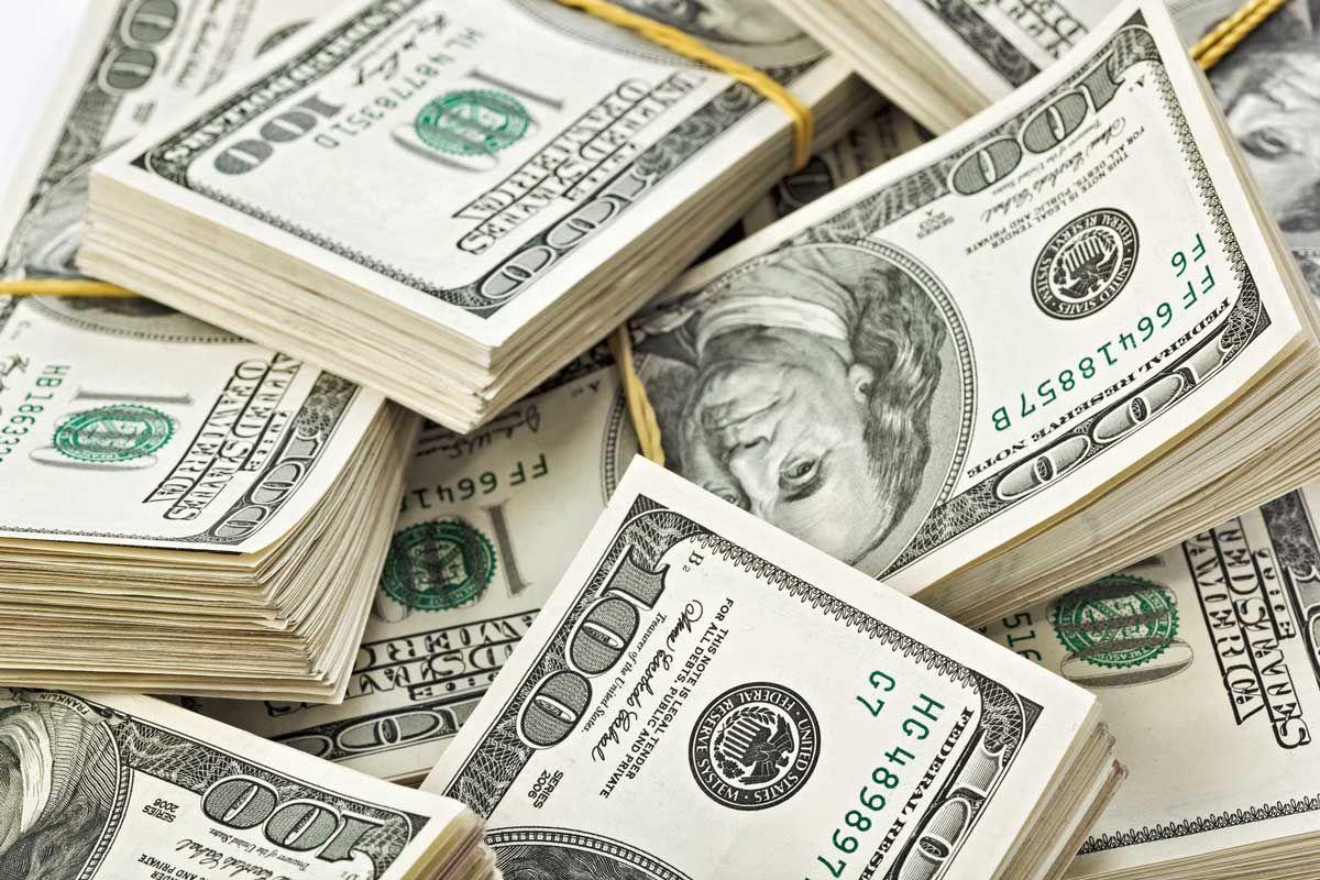 La divisa se ubicó en $ 43,40 precio minorista vendedor, mientras que en la región se valorizó. El riesgo país subió a 862 puntos básicos.