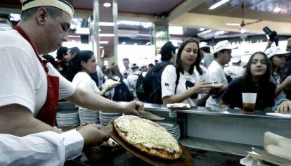Cerraron 400 pizzerías de un total de 6 mil en Argentina.
