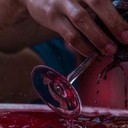 Hoy son pocas las familias que siguen con la tradición de fermentar el vino Pintatani, que es el favorito de los visitantes de esta tradicional vendimia.