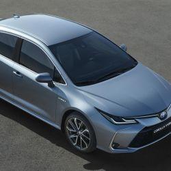 Así es el Toyota Corolla Hybrid sedán que se comercializa en Europa.