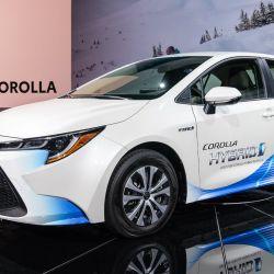 Toyota Corolla Hybrid sedán presentado en el Salón de Los Ángeles 2018