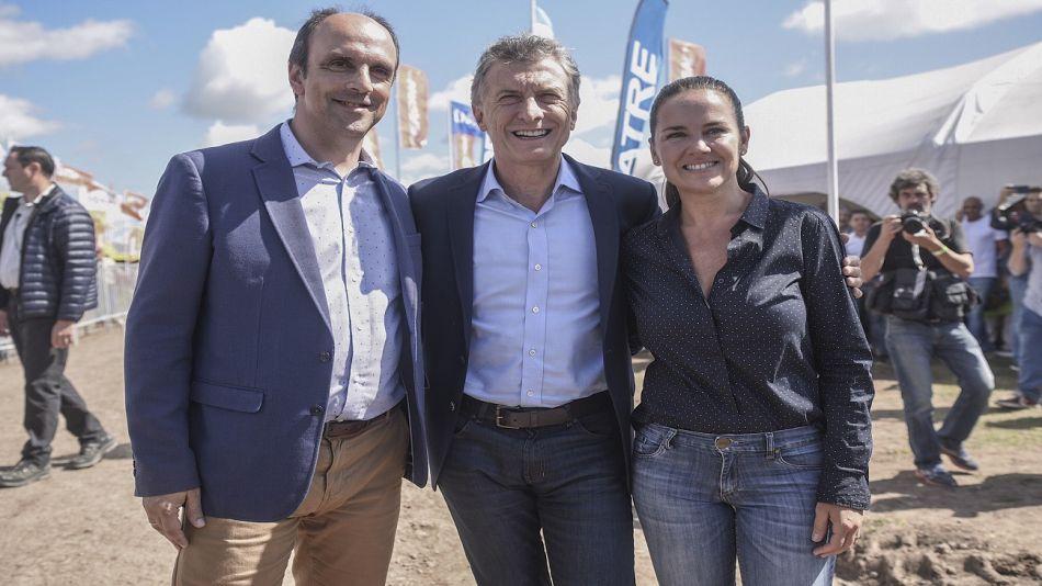 Mauricio Macri junto a la fórmula que compite en las PASO en Santa Fe.