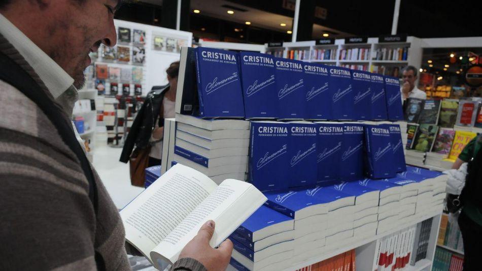 libro cristina kirchner en feria del libro