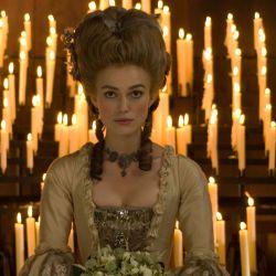 La duquesa, protagonizada por la bella Keira Knightley, es una de las películas que podés encontrar en el catálogo de Movistar Play