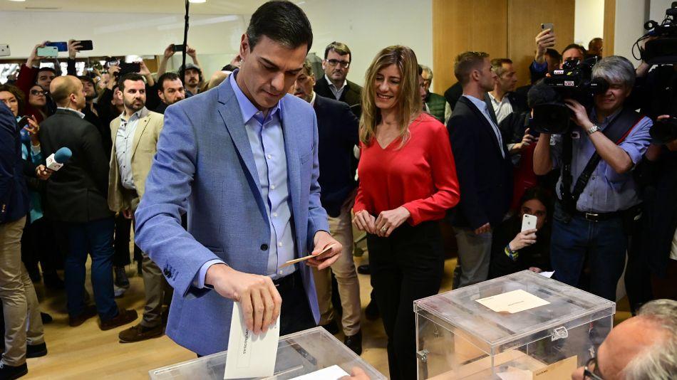 Pedro Sánchez votando este domingo en Madrid.