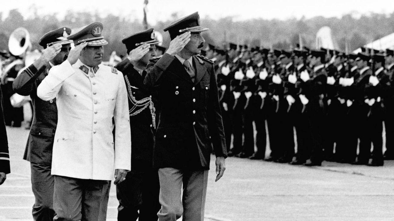 Rafael Videla y Augusto Pinochet.