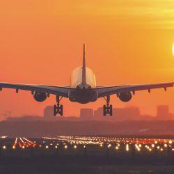 Ponemos bajo la lupa el fenómeno de las aerolíneas low cost, en qué se basan, todas las empresas que operan en el país y a qué destinos llegan.