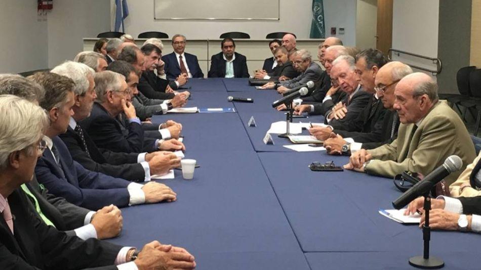 El Consejo Directivo de la Cámara Argentina de Comercio y Servicios (CAC) criticó la medida de fuerza.