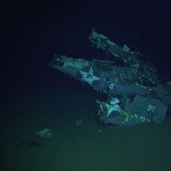 Resto de uno de los aviones del USS Hornet.
