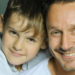 Benja Vicuña y su hijo Bautista.