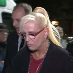 Valeria Lynch a la salida de La Corte.