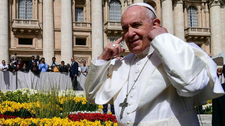 El papa Francisco recibió ayer a peluqueros de diferentes agrupaciones en Italia.