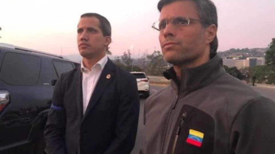 Juan Guaidó junto a Leopoldo López.