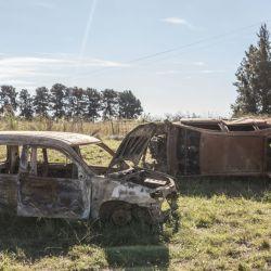 Autos incendiados y abandonados en la ruta nacional 193