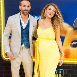 Blake Lively aparece por sorpresa embarazada