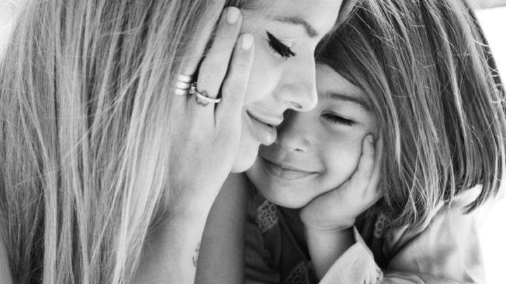 El video más dulce: la China Suárez y su hija Rufina Cabré tocando el piano