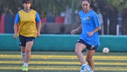 Igualdad. El fútbol femenino genera temor a compartir reglas de un deporte hecho insignia de la masculinidad.