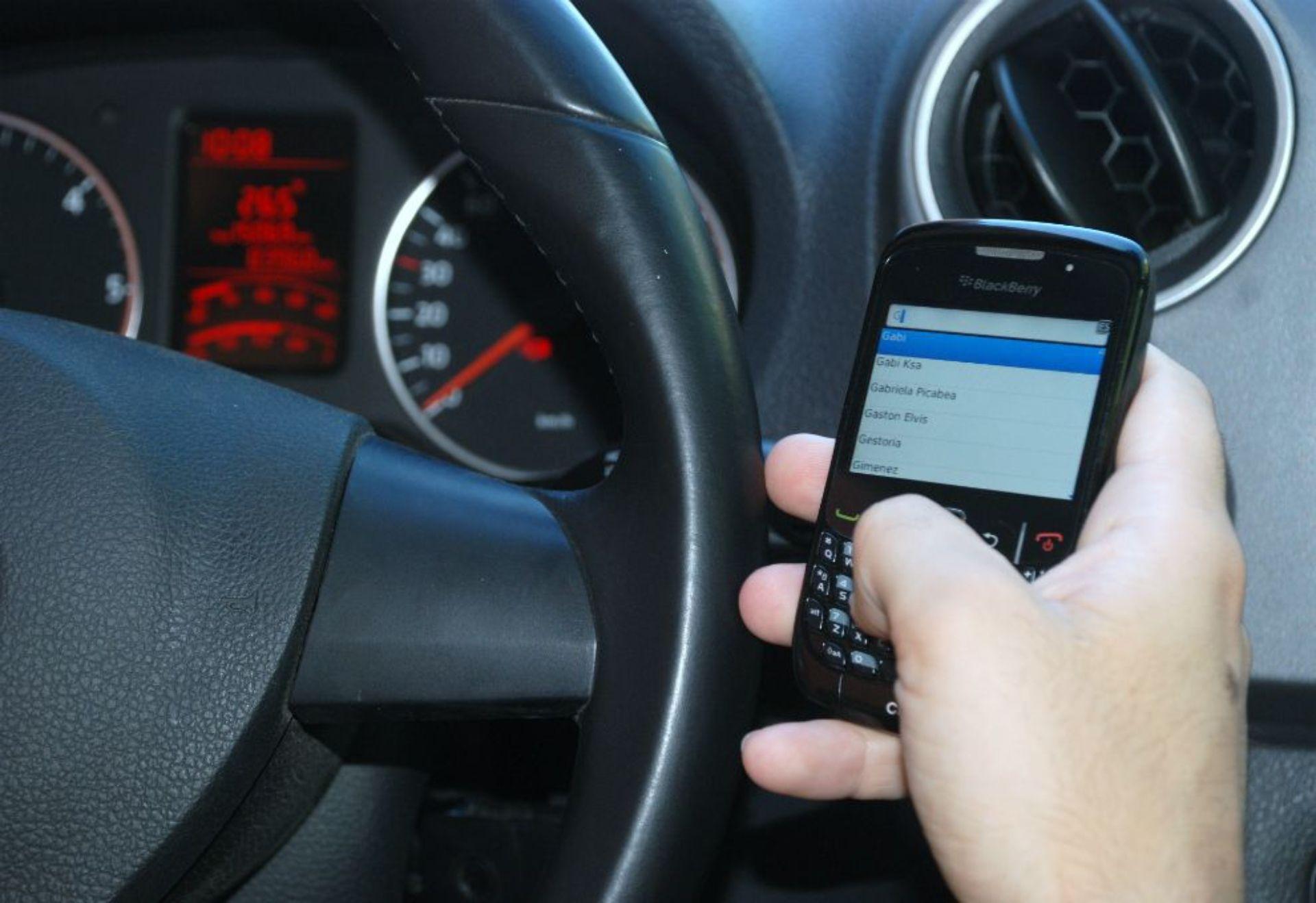 El uso del celular puede ocasionar un siniestro