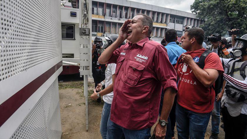 Diputado Richard Blanco se refugia en embajada de Argentina en Caracas