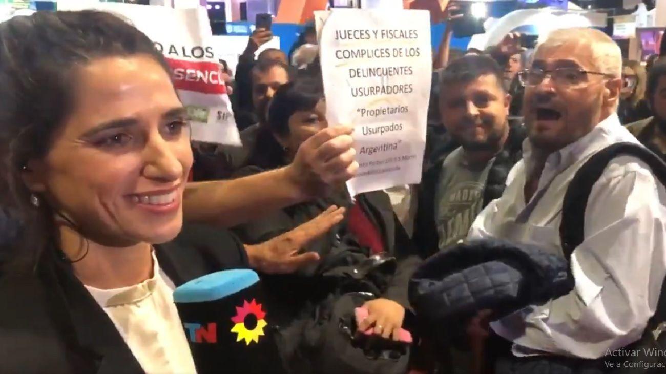 Insultaron a la periodista de TN María Eugenia Duffard.