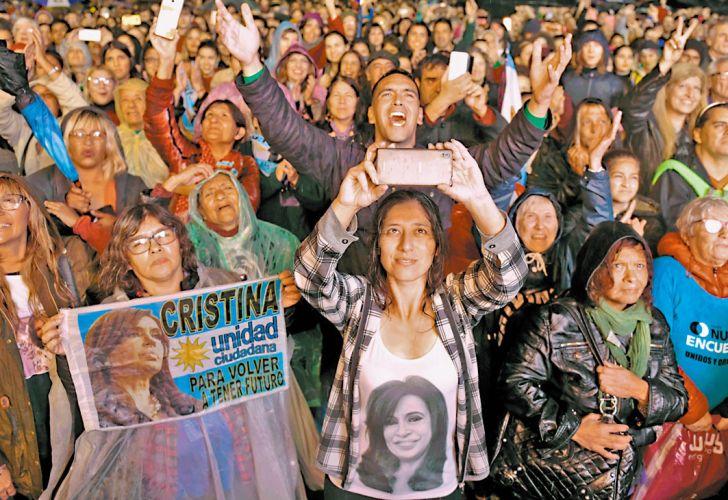 20190510_1410_columnas_10-05-2019_militantes_kirchneristas_se_dieron_cita