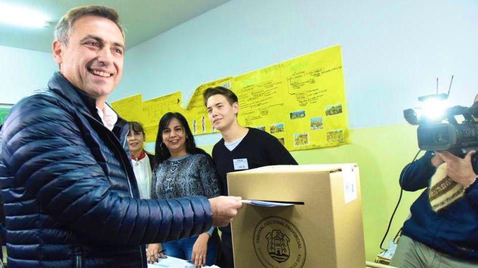 Ramón Mestre votando en Córdoba.