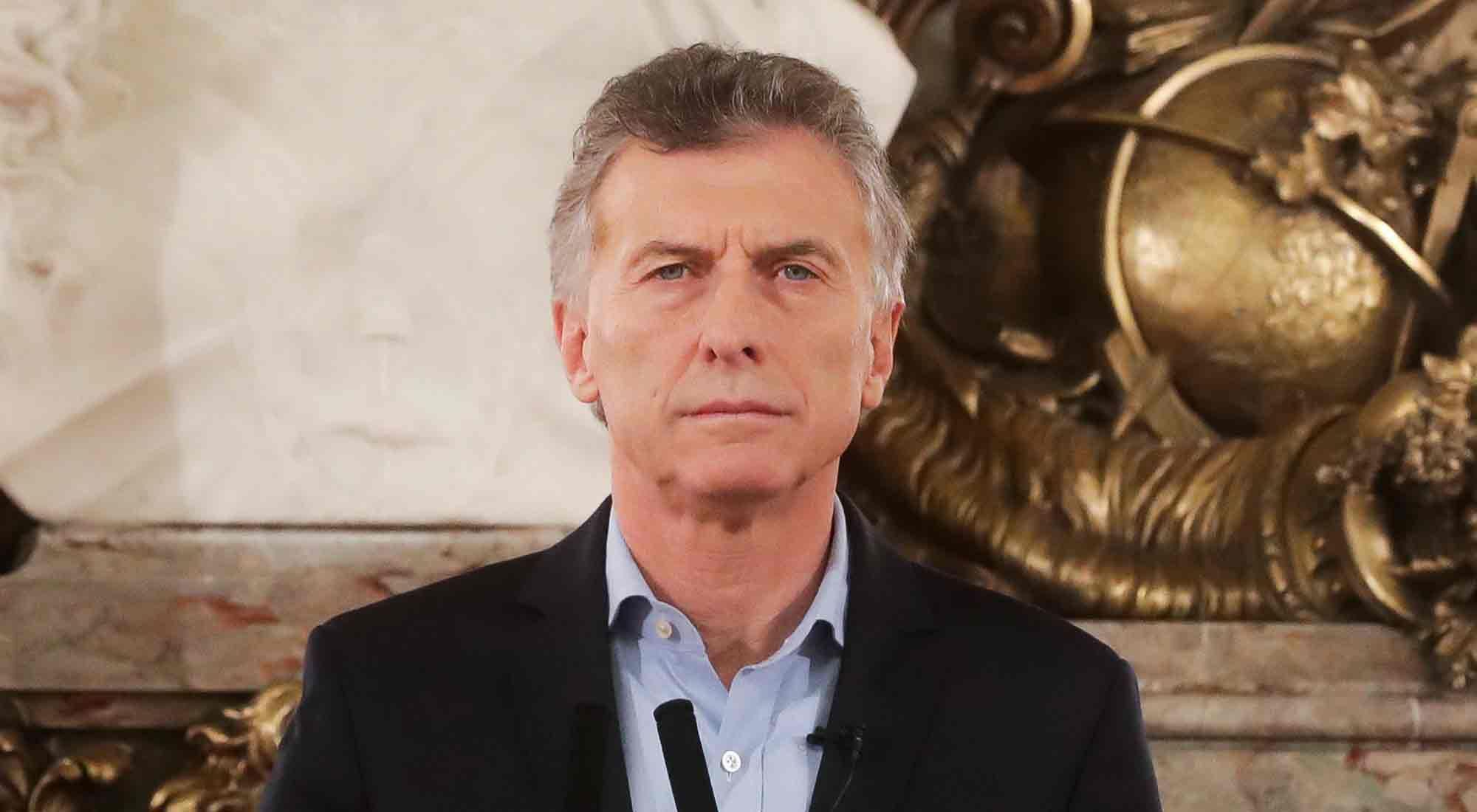 Desde que asumió la presidencia en 2015, Mauricio Macri fue blanco de una serie de escraches; recibió amenazas y hasta un vehículo quiso ingresar a Casa Rosada tras romper el portón de hierro.