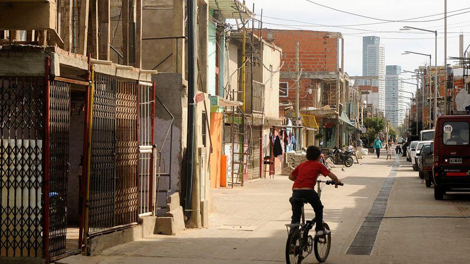 Desde septiembre de 2013, la sede de la Secretaría de Cultura fue trasladada desde Recoleta a la villa 21/24, en Barracas, donde funcionó hasta mayo de 2014.