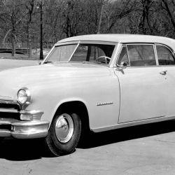 En 1951, Chrysler introdujo en su modelo Imperial la dirección asistida. Foto: DAT/dpa