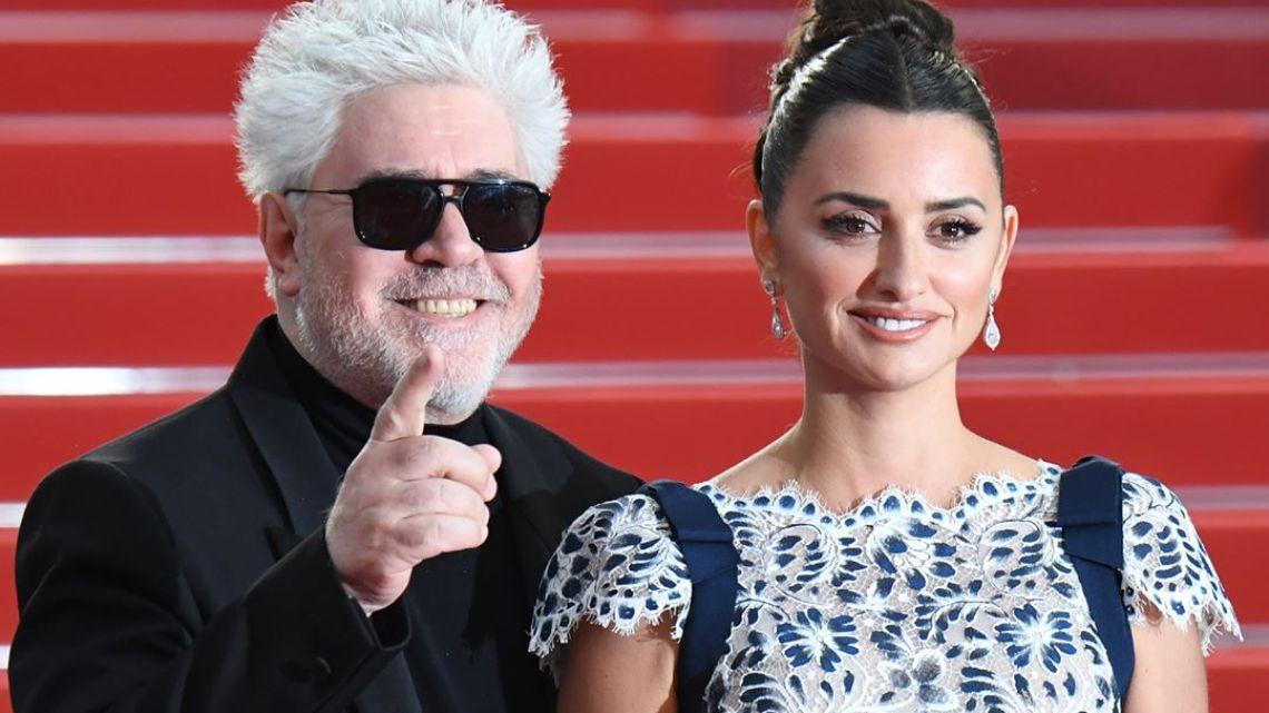 Almodovar y Penélope Cruz super unidos en Cannes