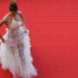 Bella Hadid lució un increíble look en Cannes