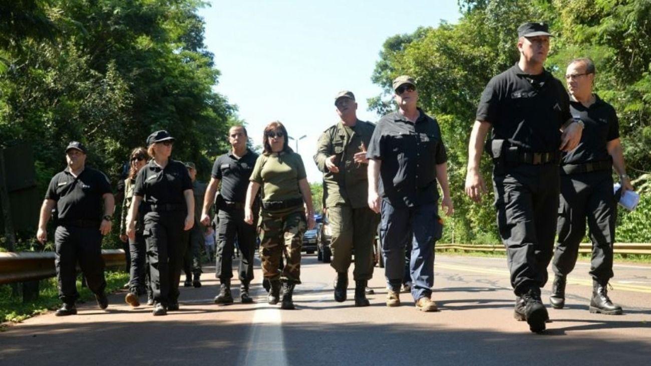 Imagen de archivo | La ministra de Seguridad, Patricia Bullrich, durante un operativo en Rosario.