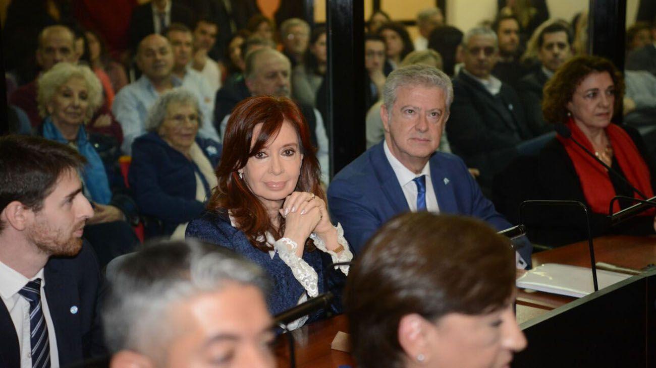 Imagen de archivo | La expresidenta Cristina Fernández de Kirchner en el comienzo del juicio por la Causa Vialidad.