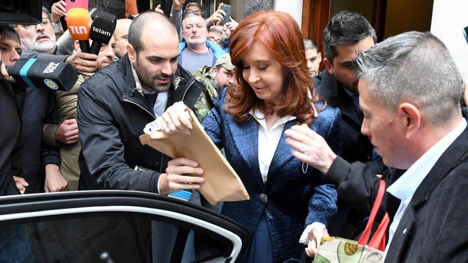 20190521 Cristina Kirchner camnio a Comodo Py