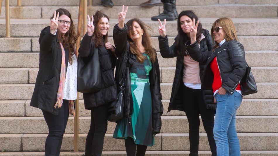 Dirigentes, exfuncionarios y militantes acompañaron a Cristina Kirchner en Comodoro Py