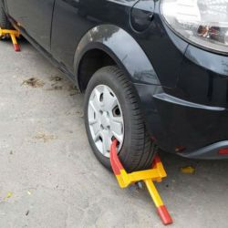 Usan cepos para evitar el robo de autos