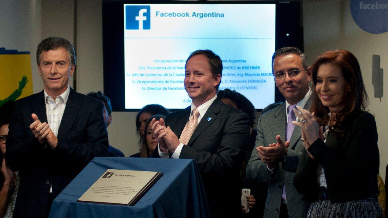 Cristina Kirchner y Mauricio Macri en la inauguración de las oficinas de Facebook Argentina en 2014.