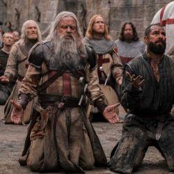 Landry luchará por lograr su redención en la orden de los Templarios.