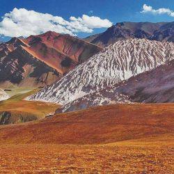 Cabalgata por el valle  de Calingasta.