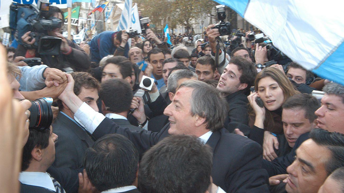 Asunción de Nestor Kirchner el 25 de mayo de 2003