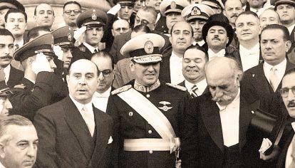 De gala. Ya elegido presidente en los comicios de febrero de 1946, Perón y su vice, Hortensio Quijano, cuando asumieron el gobierno.