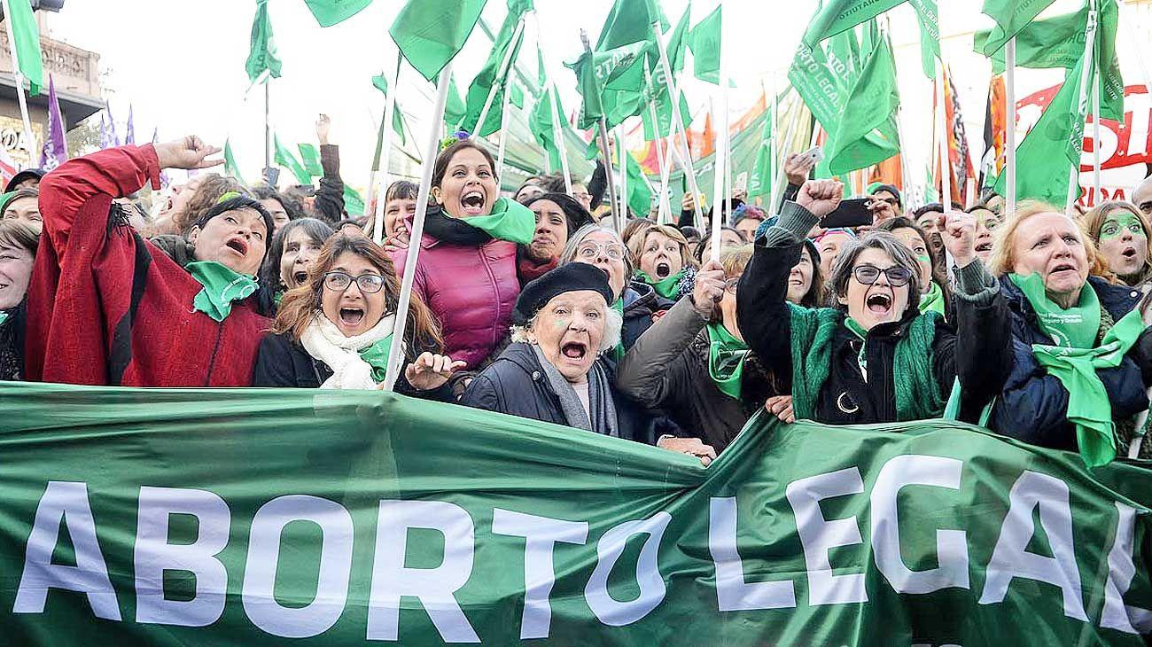Campaña. Las integrantes que impulsan la legalización en el país.