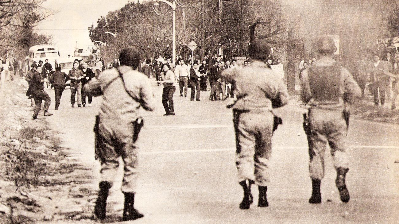 Piedras y balas. Los trabajadores de la industria automotriz, nucleados en Smata, fueron grandes protagonistas de las huelgas y enfrentamientos de esos años.